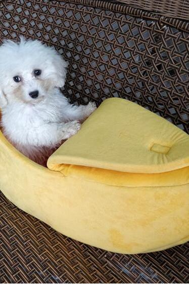 Cute Dog Cat Pet Soft Bed, Pet Supplies Creative Kennel Banana Shape Cat Litter Winter Warm Pet Nest,65x25x18cm